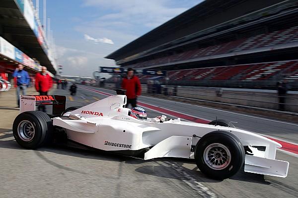 F1 Top List VIDEO: diseños curiosos de los coches en los test de F1