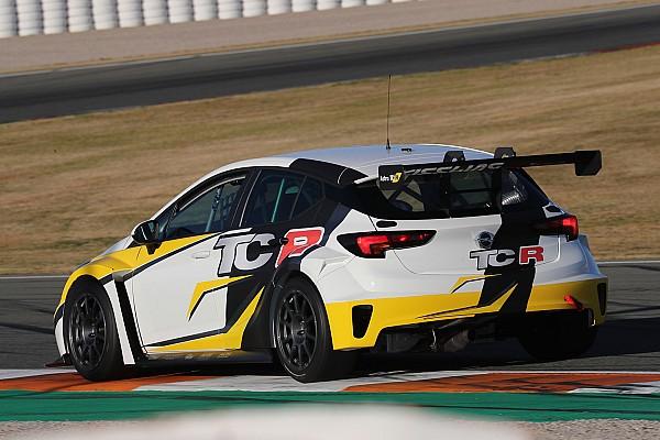 TCR Italia Ultime notizie Andrea Argenti con la Opel Astra al ritorno nel TCR Italy