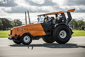 Automotive Breaking news Top Gear's The Stig sets world record for fastest tractor
