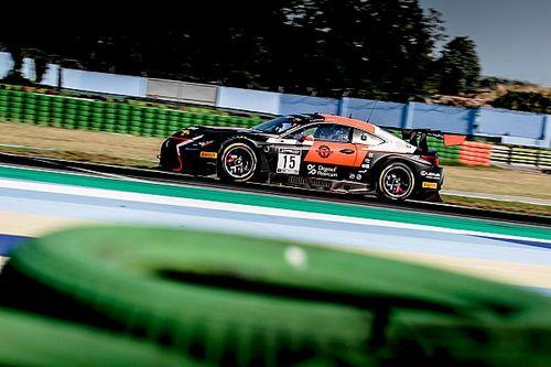 Lexus na pole position