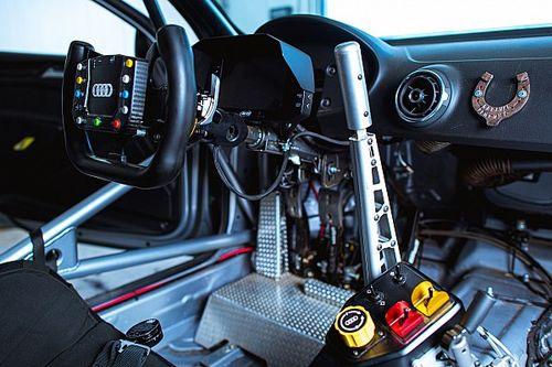 Ручник длиной полметра и воздух вместо бензина. Как управлять самой быстрой машиной русских гонок