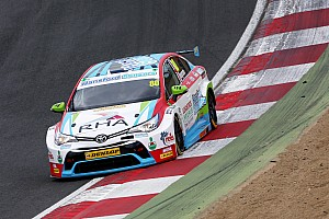 BTCC Testing report Ingram leads Toyota 1-2 in Donington BTCC test