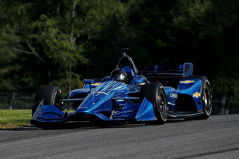 Montoya y Serviá se divierten con el  kit  2018  de IndyCar