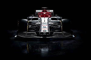 Stúdiófotókon is az új Alfa Romeo: Räikkönen F1-es gépe