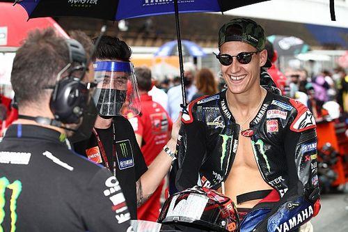 Лидера MotoGP оштрафовали за езду с голой грудью