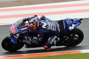 MotoGP, Valencia: Vinales si prende la pole, Marquez cade ma è quinto nonostante il dolore