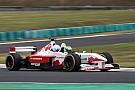 A kétüléses F1-es autó története: honnan indult az őrület a Forma-1-ben?
