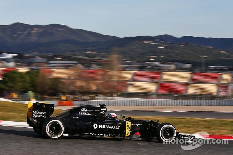 "Renault can't ""give up"" on results in 2016 - Vasseur"
