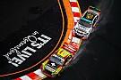 Supercars Серферский рай. Лучшие фото гонки Gold Coast 600 чемпионата Supercars