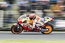 MotoGP Marquez vince in Australia davanti a Rossi. Dovi 13°, ora è dura