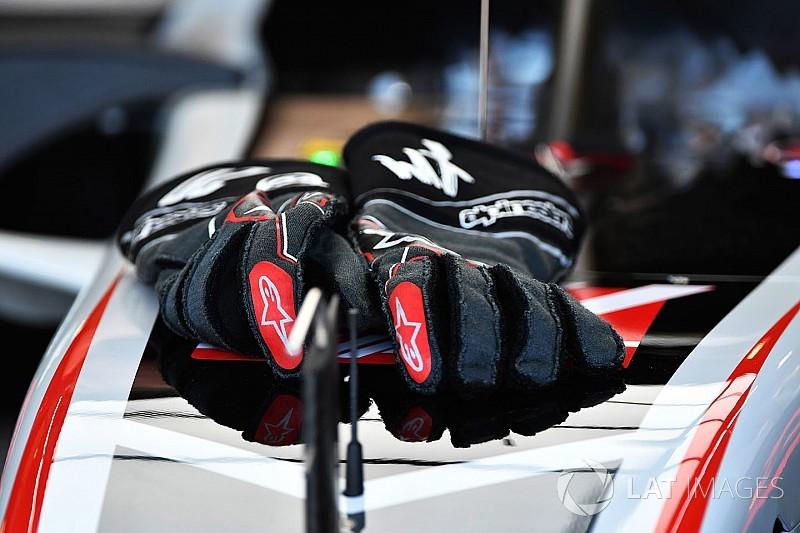 Hightech-Handschuhe vor Formel-1-Debüt