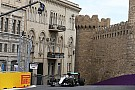 Ricciardo prueba los muros de Bakú