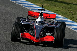 День в історії: дебют Алонсо в McLaren, Ріккардо – пілот Toro Rosso, Mitsubishi пішла з ралі
