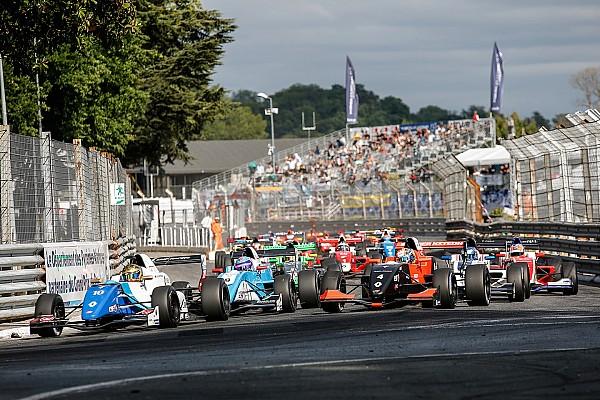 Formule Renault FR 2.0 Pau: Shwartzman wint eerste race voor Defourny