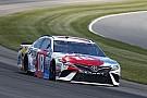 NASCAR Cup Kyle Busch beffa Martin Truex Jr. e conquista la pole a Pocono