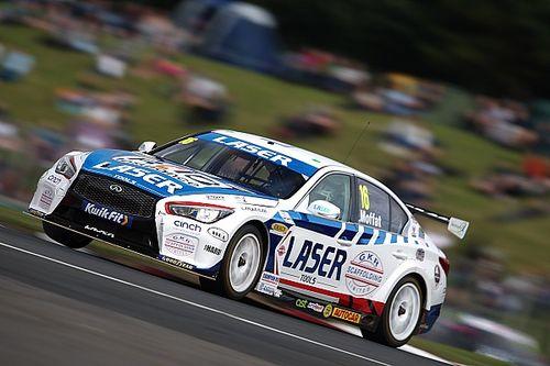 Croft BTCC: Moffat soaks up Hill pressure to win Race 1
