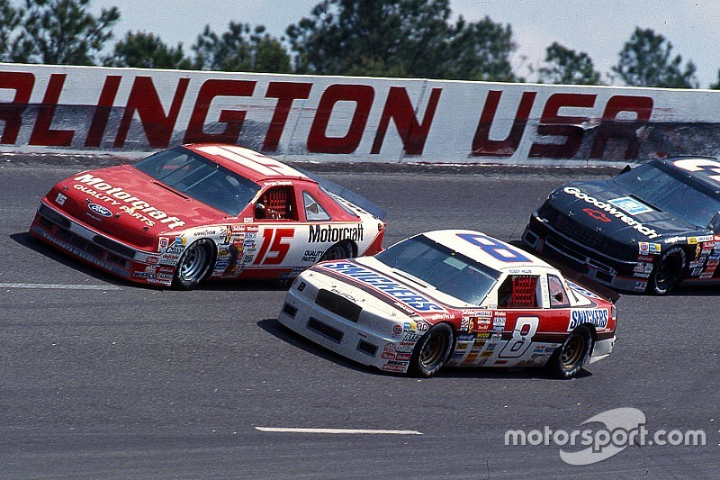 Darlington's 2019 NASCAR Throwback Weekend to honor 1990-1994