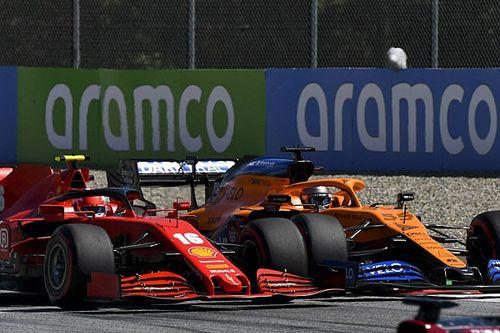 Kész csoda, hogy Leclerc nem kapott defektet Sainz érintője után: videó