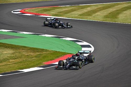 """Mercedes gevloerd door Verstappen: """"We zaten te slapen"""""""