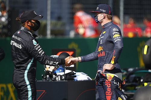 Verstappen, Hamilton és Helmut Marko sem érti, hol vannak a Ferrarik
