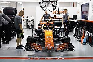 McLaren trabaja para 2018 en la fábrica y 2017 en pista