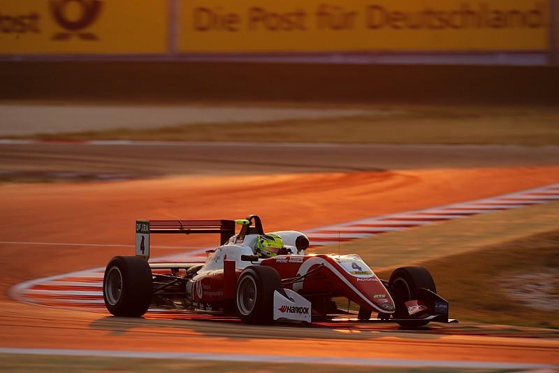 Шумахер выиграл первую гонку уик-энда Ф3 в Мизано, Шварцман на подиуме
