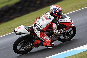 Moto3, Valencia, Libere 1: sotto alla pioggia spunta Atiratphuvapat