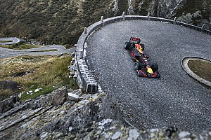 Formule 1 Diaporama Quand Buemi pilote une F1 dans un col des Alpes!
