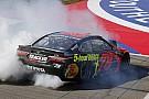 NASCAR Cup Труэкс выиграл гонку NASCAR в Фонтане