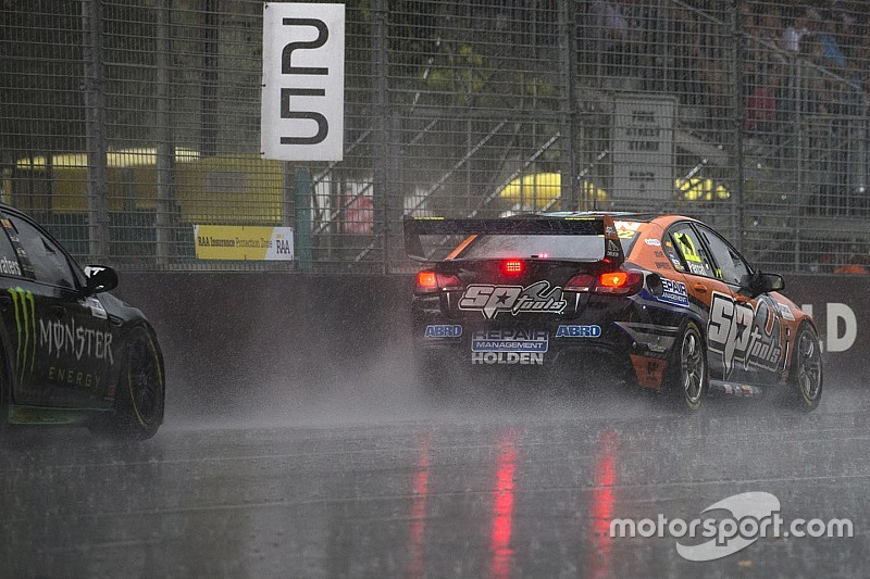 Drivers describe Adelaide monsoon conditions