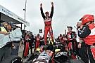 Бурдэ выиграл первую гонку на улицах Детройта