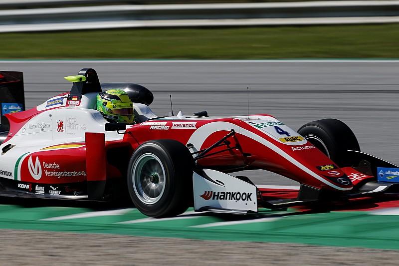 Mick Schumacher si impone sul bagnato di Gara 1 al Red Bull Ring ed è il nuovo leader del campionato
