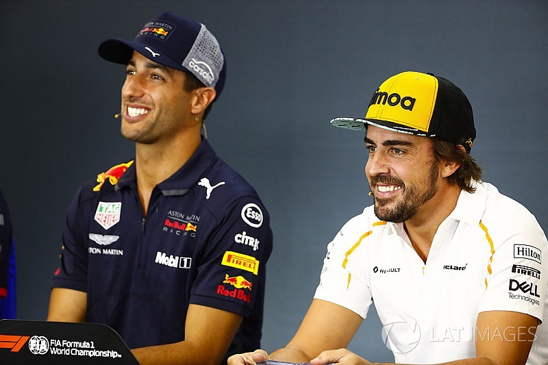 Red Bull niega haberle ofrecido a Alonso el lugar de Ricciardo