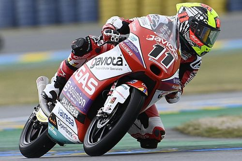 Le Mans Moto3: Garcia wins wet race, Acosta extends points lead