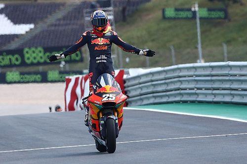 Premier succès pour Fernández en Moto2, Lowes à la faute