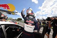 Bathurst Supercars: Van Gisbergen edges Waters for pole