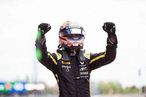 Lundgaard nyerte az F2 sprintfutamát, Schumacher tovább növelte az előnyét, Vips először a dobogón