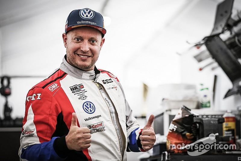 Malaysia: il Teamwork Motorsport piazza il colpaccio con Rob Huff