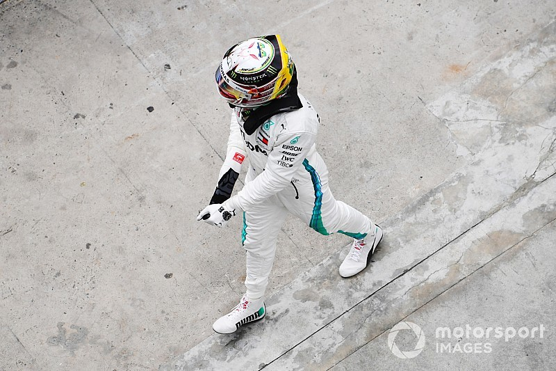 Hamilton tance un Sirotkin