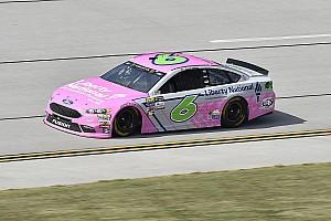 NASCAR Cup Noticias de última hora Trevor Bayne sobrevivió a accidentes para meterse al Top 3