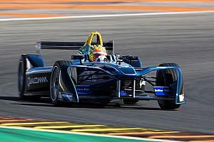 Формула E Новость Экс-пилот Ф1 Харьянто впервые протестировал машину Формулы Е