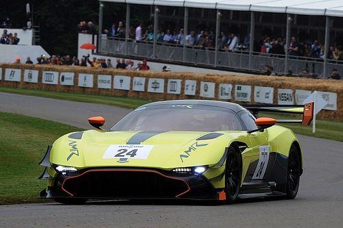 Aston Martin turunkan dua mobil balap di Goodwood