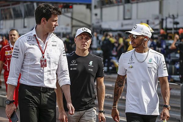 Формула 1 Новость Вольф признал Mercedes догоняющей командой