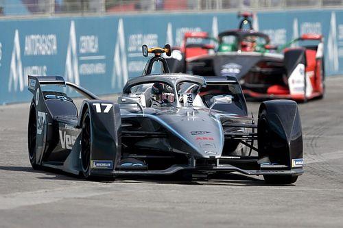 Mercedes' de Vries explains why he lost maiden FE podium