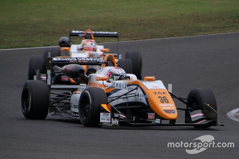 F3第16戦決勝:シーズン王者坪井、圧巻の13勝目。宮田が肉薄も2位