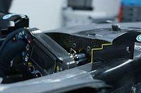 Mercedes W12: il supporto dello specchietto seghettato