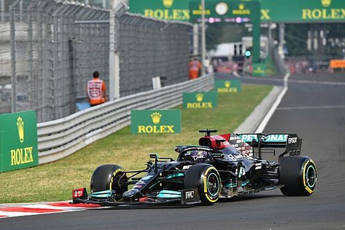 Wolff stands by decision to not pit Hamilton before F1 restart