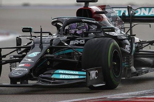 """Hamilton baalt: """"Dit verwacht je niet van een kampioen"""""""