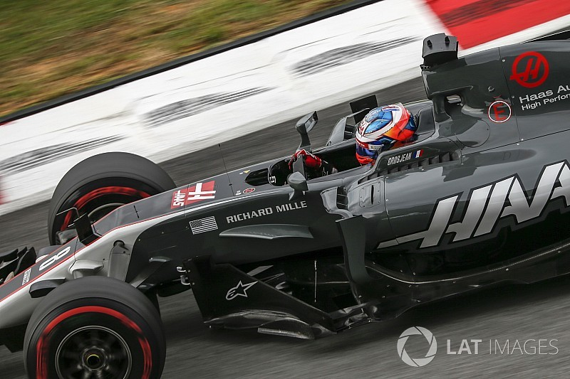 Mercedes W08 vs Red Bull Racing RB13 vs Ferrari SF70H at ...