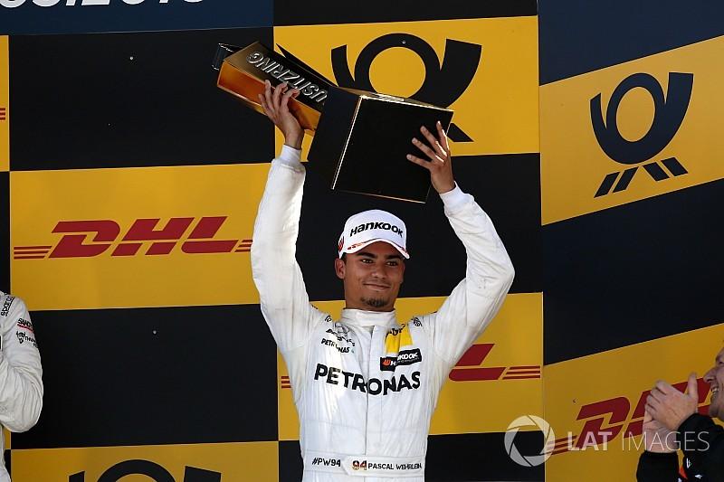 فيرلاين: التخلي عن أسلوب قيادة الفورمولا واحد هو التحدي الأساسي في